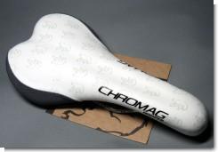 chromag_01.jpg